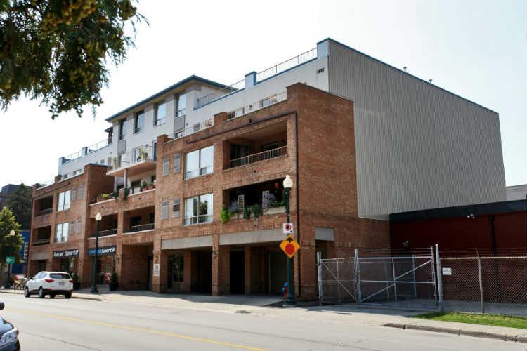 Robinson Terrace 151 Robinson Terrace