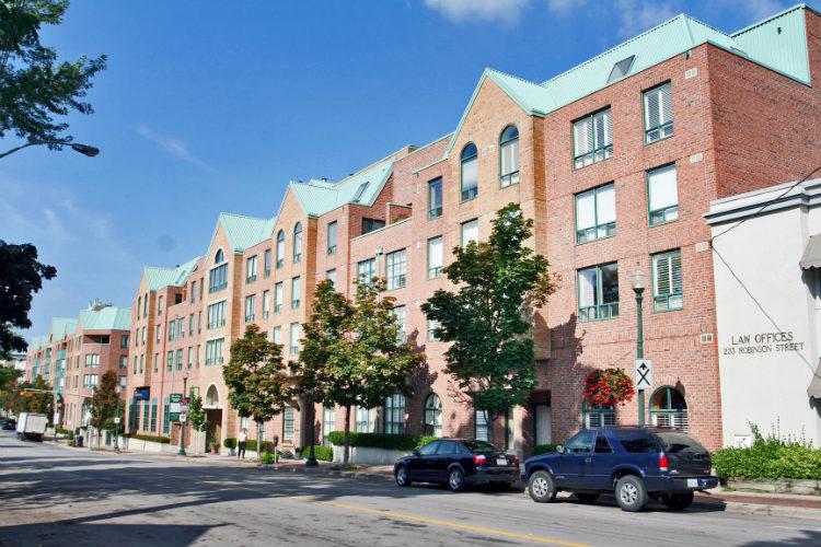 Town Square 221 Robinson Street